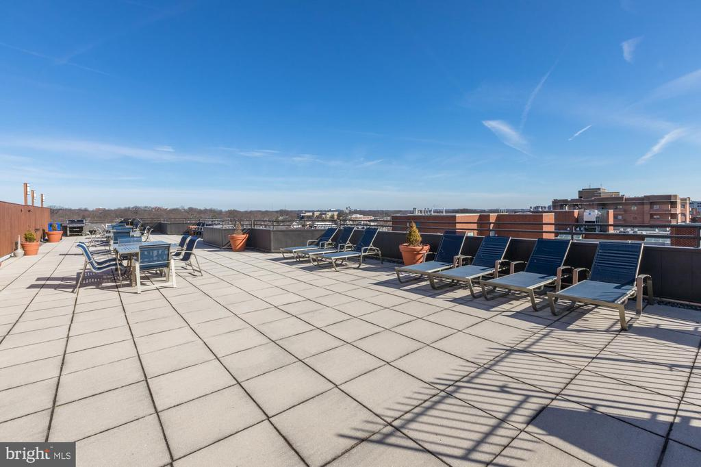 Photo of 1001 N Vermont St #812