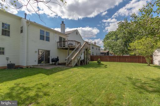 5707 Mackenzie St Centreville VA 20120