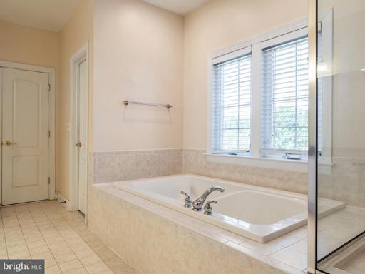 4851 Muddler Way Fairfax VA 22030