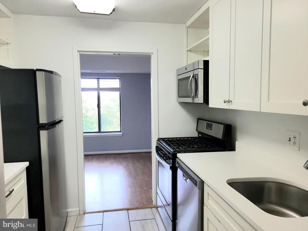 Photo of 3100 S Manchester St #508