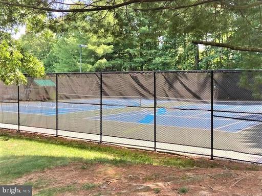 6073 Deer Hill Ct Centreville VA 20121