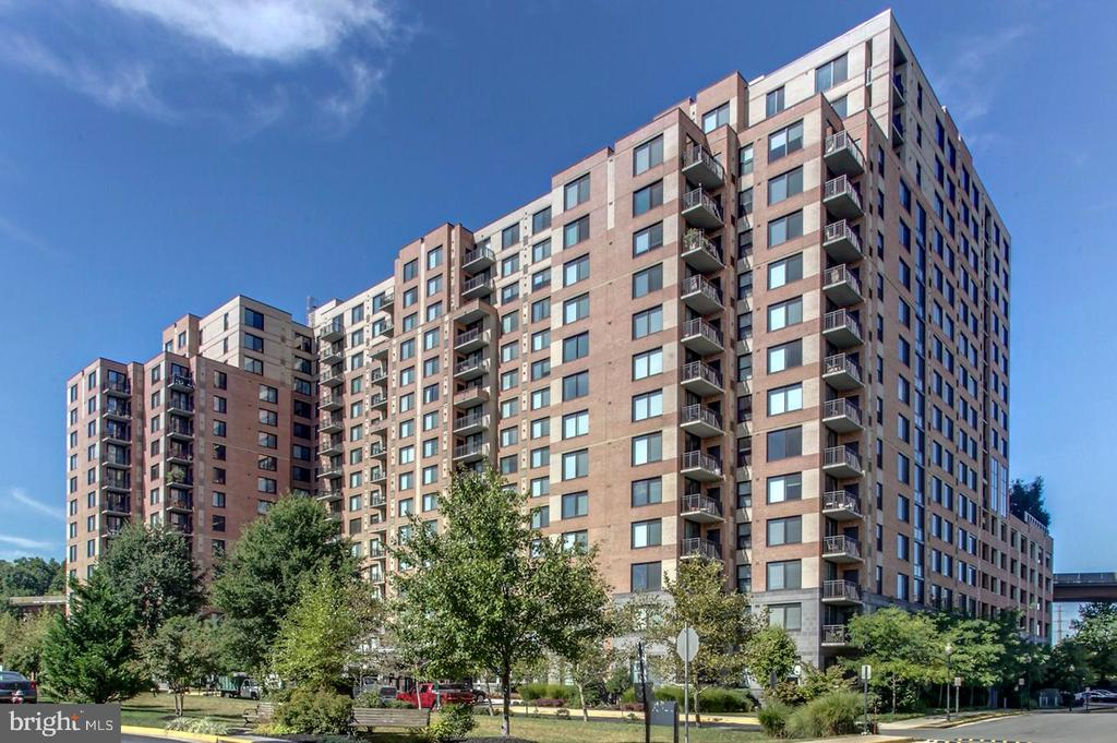 Photo of 2451 Midtown Ave #817