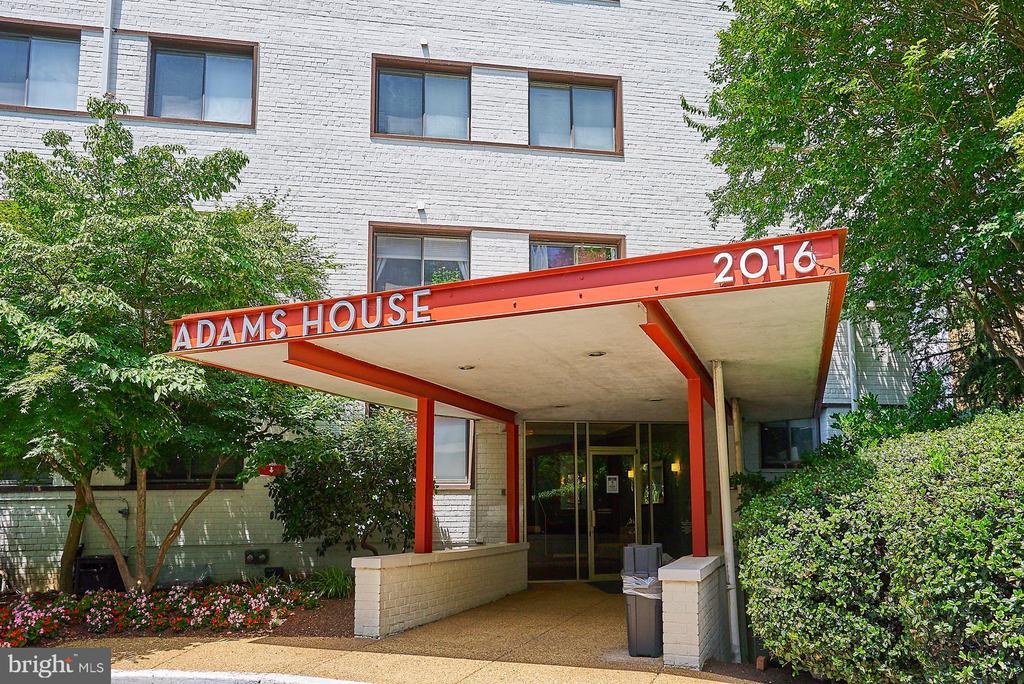 Photo of 2016 N Adams St #304