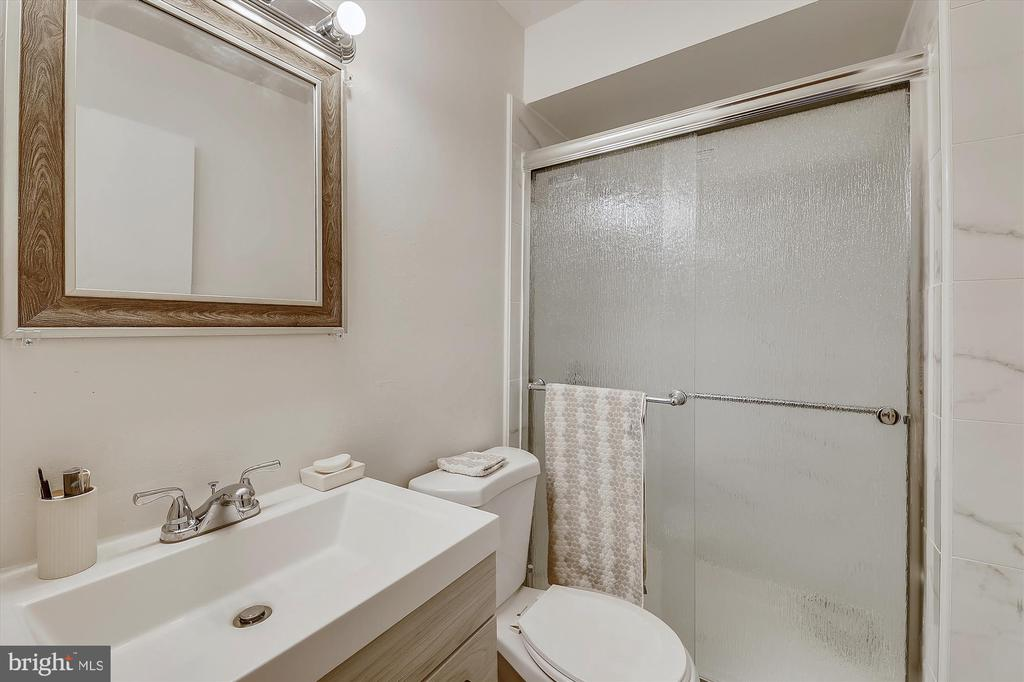 Photo of 5906 Kingsford Rd #350