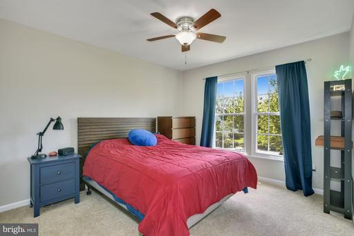 42844 Hollywood Park Pl Ashburn VA 20147