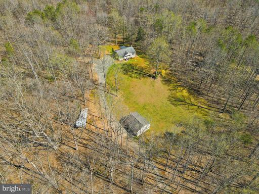 12064 Deerfield Ln Amissville VA 20106