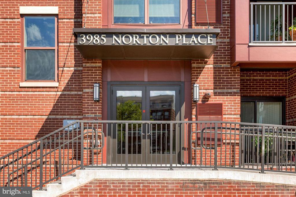 Photo of 3985 Norton Pl #403
