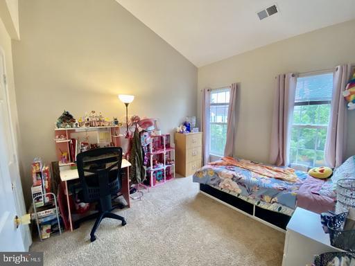 14702 Deer Lake Ct Centreville VA 20120