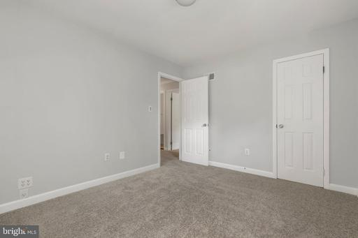 4390 Evansdale Rd Woodbridge VA 22193
