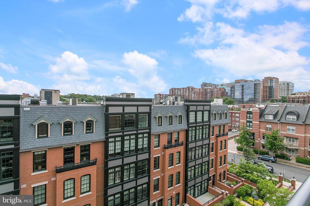 Photo of 1700 Clarendon Blvd #138