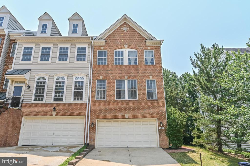Photo of 9666 Potters Hill Cir