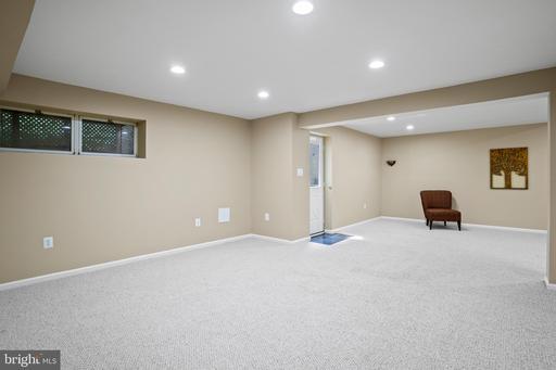 1306 Pavilion Club Way Reston VA 20194