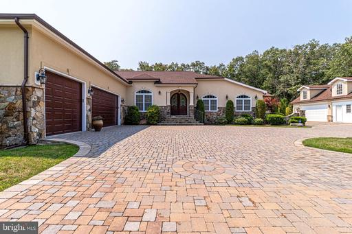 12501 Rochester Dr