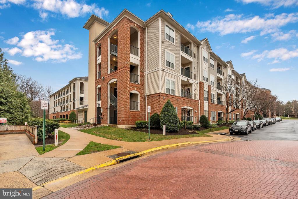 4860 Eisenhower Ave #295, Alexandria, VA 22304