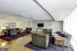 Photo of 1200 Crystal Dr #813