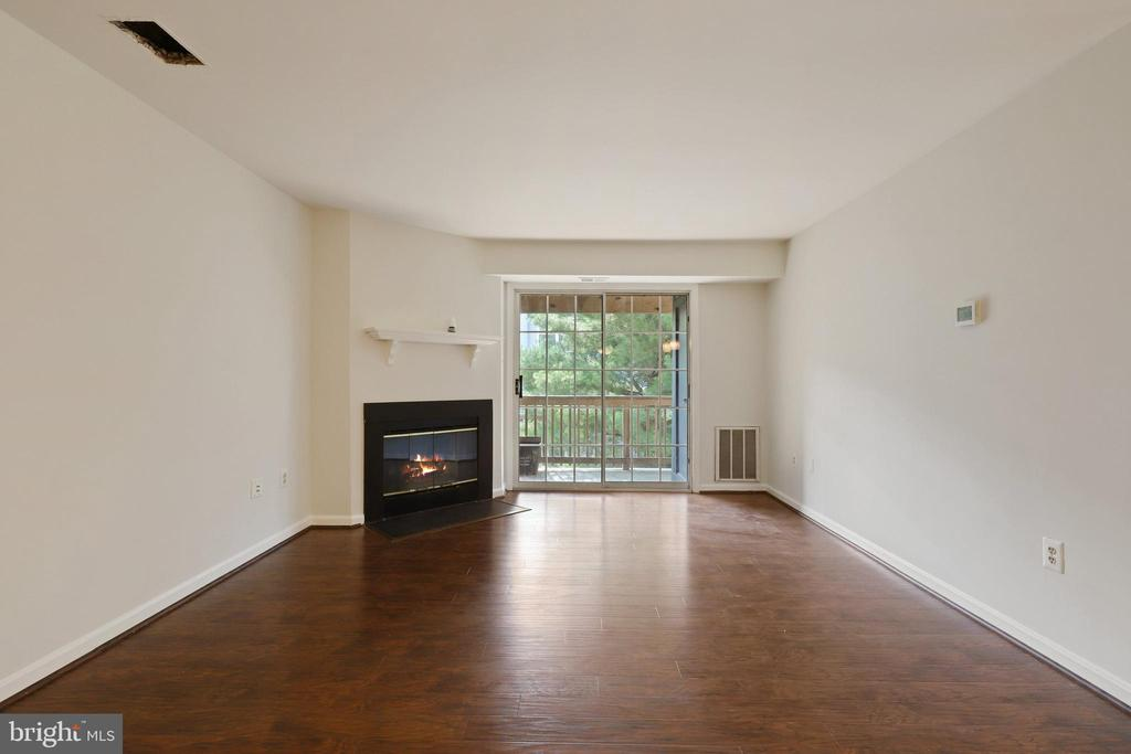Photo of 6903-G Victoria Dr