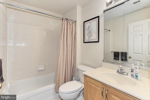22627 Upperville Heights Sq Ashburn VA 20148