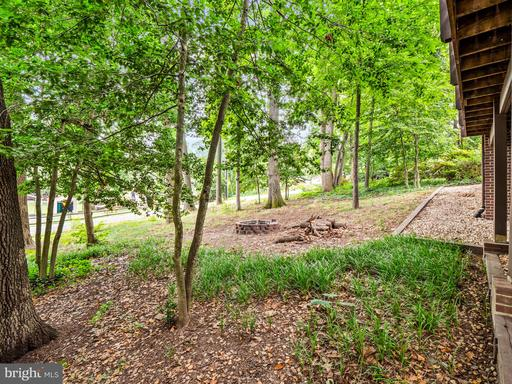 1422 Forest Ln Woodbridge VA 22191