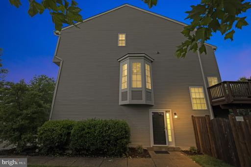 43198 Lawnsberry Sq Ashburn VA 20147
