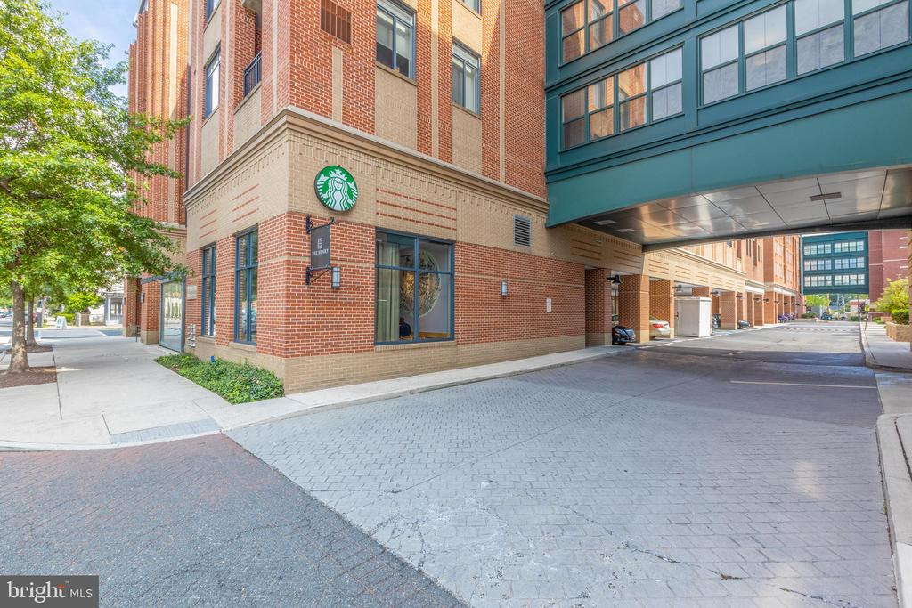 Photo of 525 N Fayette St #323