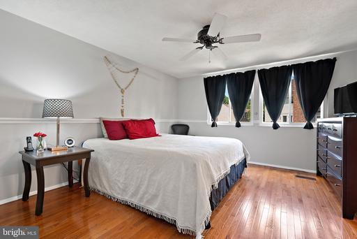 14106 Red River Dr Centreville VA 20121