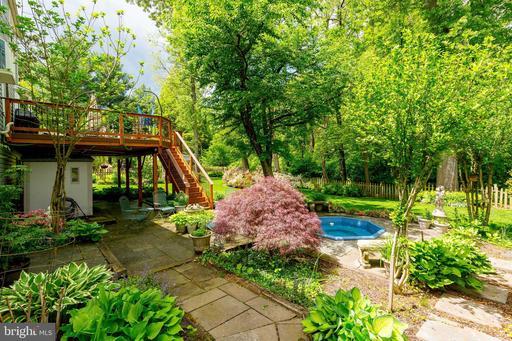 13725 Cabells Mill Dr Centreville VA 20120