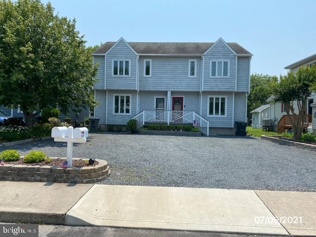 Great unit just off 136th Street that backs up to a town park! Just a few blocks to the beach and or the bay! North Ocean City  super close to tax free Delaware shopping. 2 bedrooms with 2.5 baths to hold all you new friends that you will get when you buy your new place at the beach!