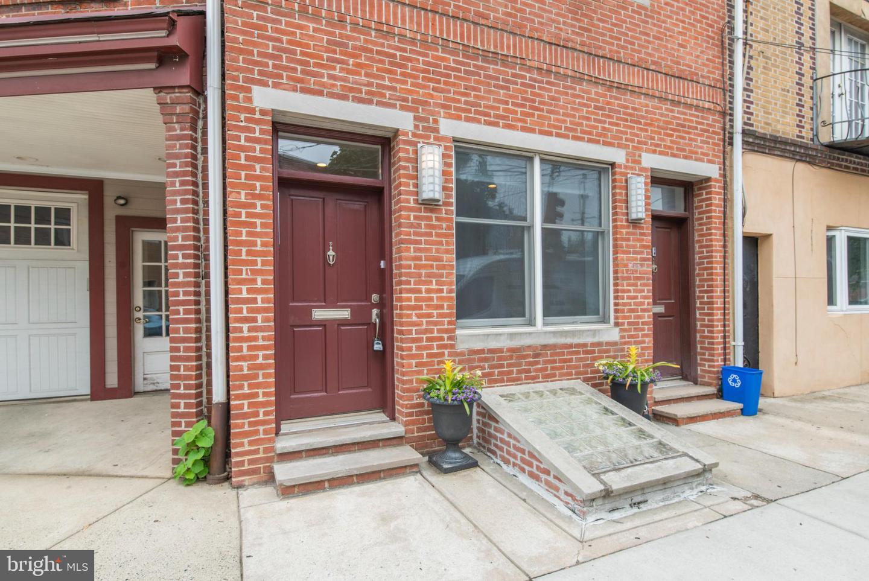 810 S 6th Street UNIT B Philadelphia, PA 19147