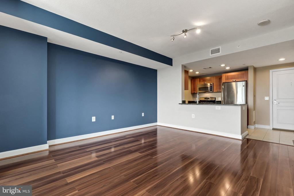 Photo of 2451 Midtown Ave #1025