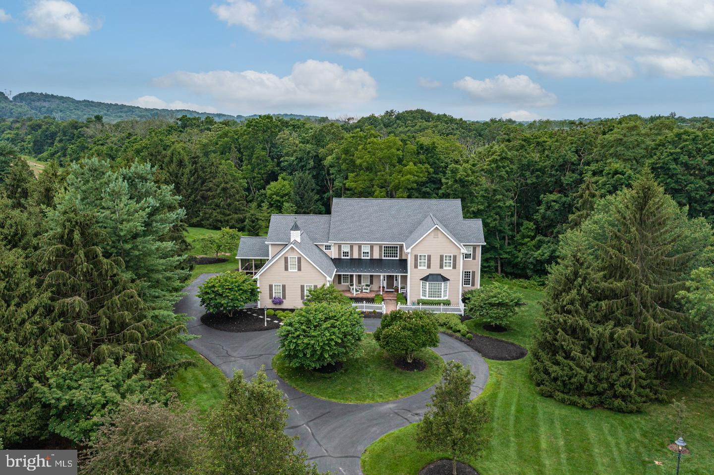 7 SPRUCEFIELD CT, NEW HOPE, PA