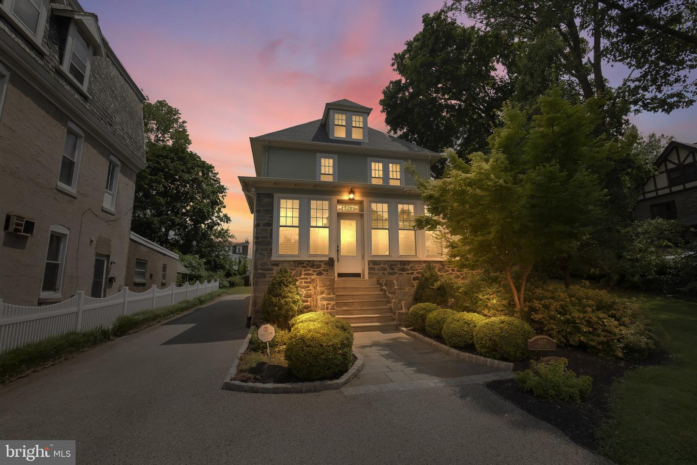 Philadelphia                                                                      , PA - $749,500