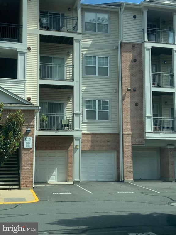 12124 Garden Ridge Ln #204, Fairfax, VA 22030
