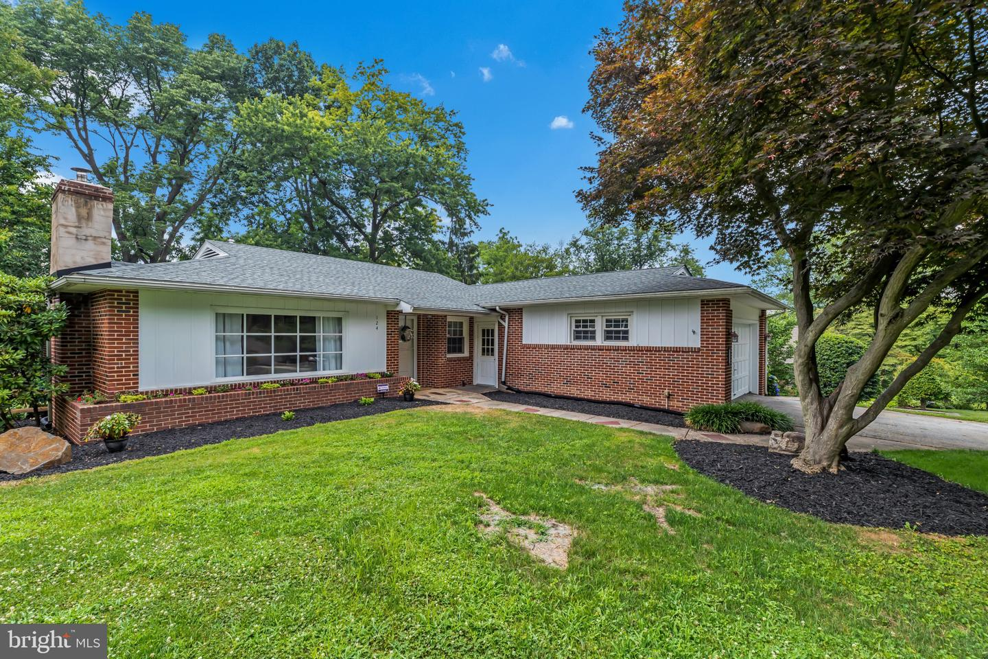 124 Beechwood Road Newtown Square, PA 19073