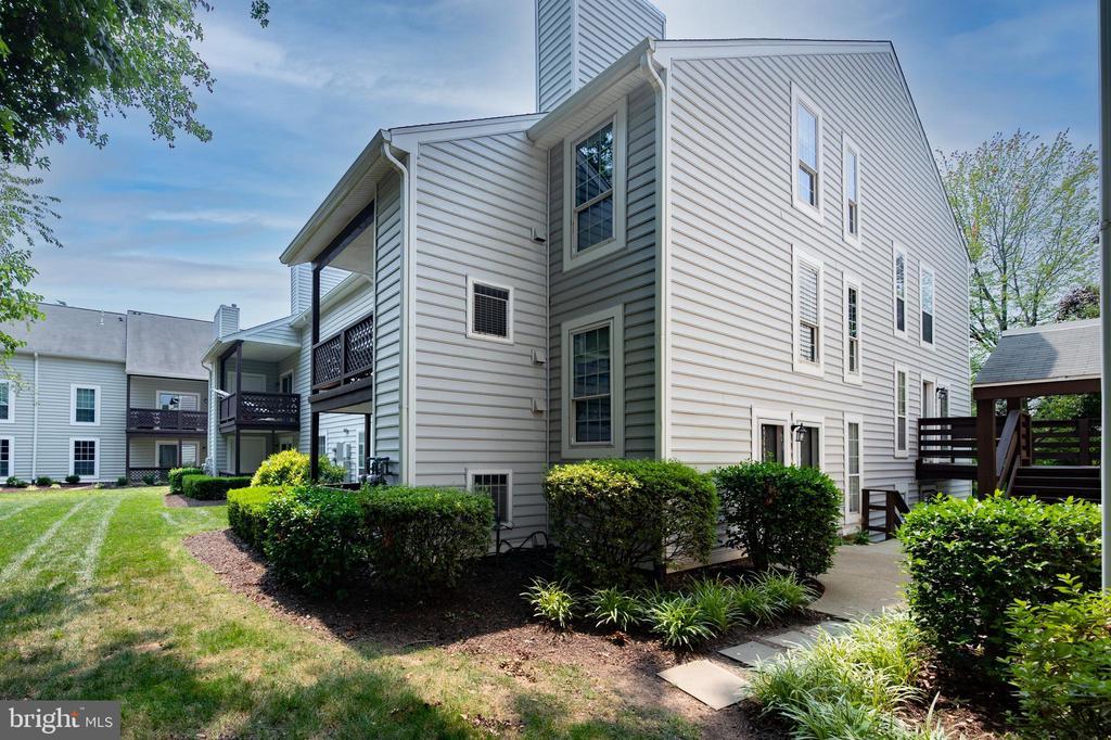 10052 Oakton Terrace Rd #10052