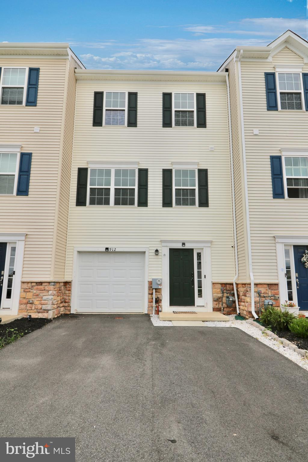Beautiful townhome with 3 bedrooms, 2.5 baths, garage and a flex room on the first floor that can be used as a family room, Media Room, 4th bedroom or home office.