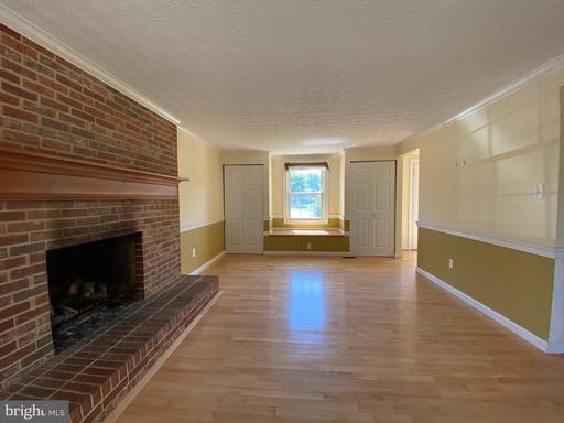 5718 Barrymore Rd Centreville VA 20120