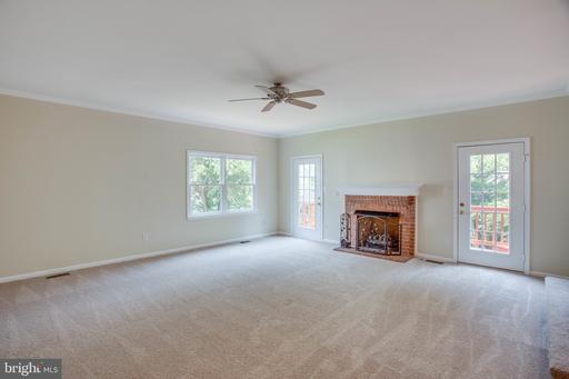 13628 Old Chatwood Pl Chantilly VA 20151