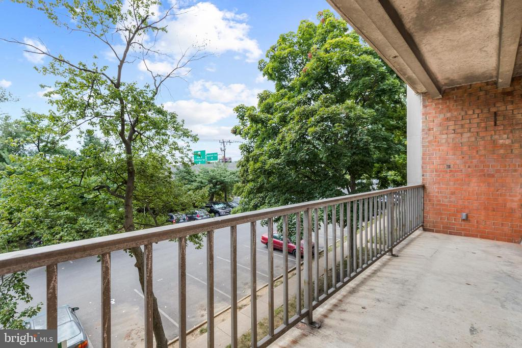 Photo of 5801 Quantrell Ave #L8