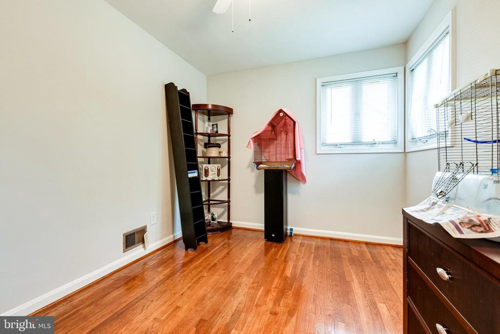 Photo of 5313 Thayer Ave