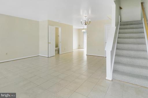 14827 Bolton Rd Centreville VA 20121