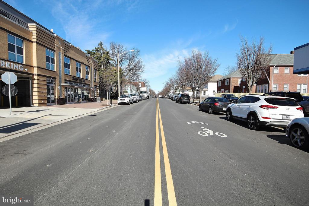 Photo of 306 Duncan Ave E #E