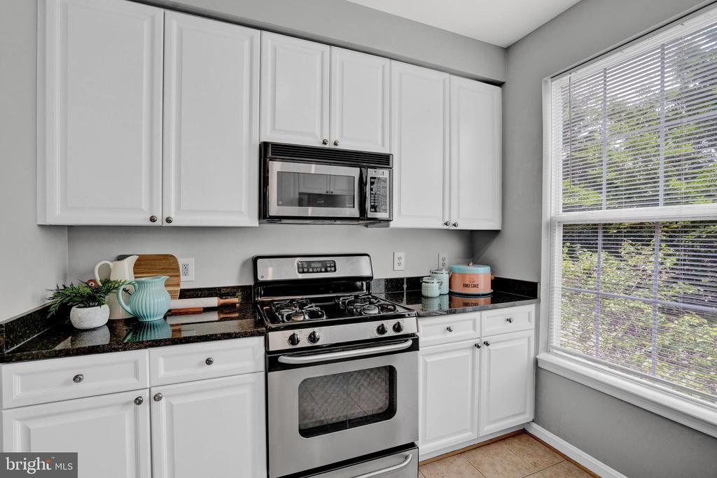 Photo of 801 S Greenbrier St #105