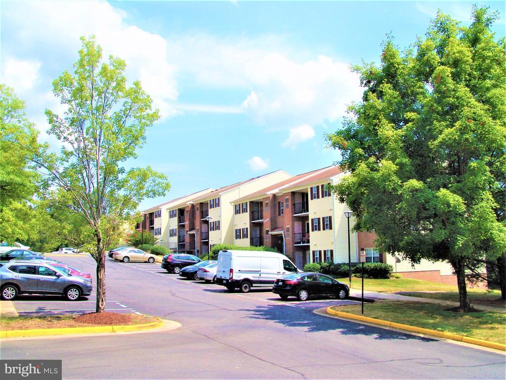 14805 Rydell Rd #203, Centreville, VA 20121