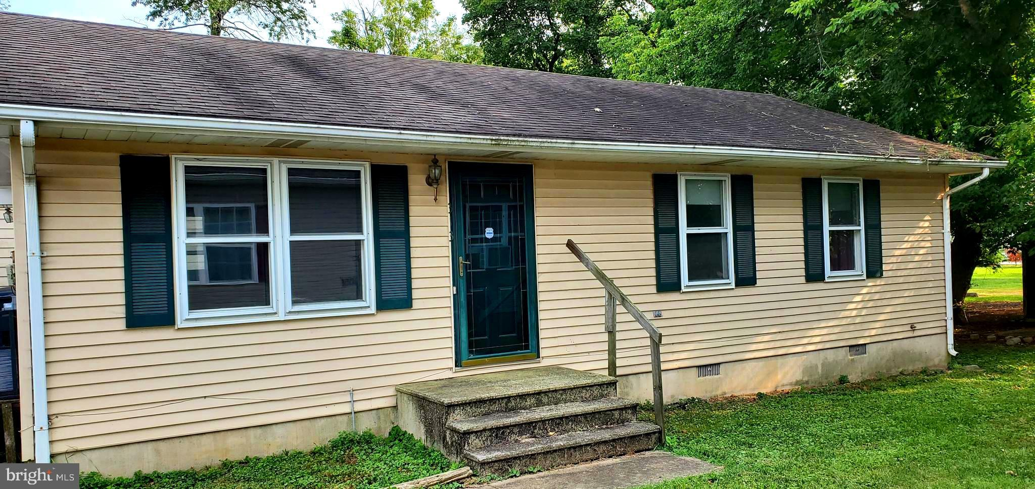 3 Bedroom Ranch home  2 full baths with living room Dining area and kitchen this home is ready move in on a quite street plenty of open space for outdoor outings. All appliances & shed being sold as-is.