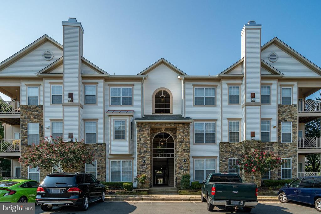 5909 Founders Hill Dr #202