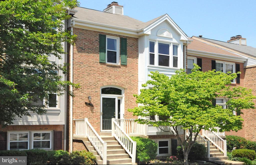 14550 Smithwood Dr, Centreville, VA 20120