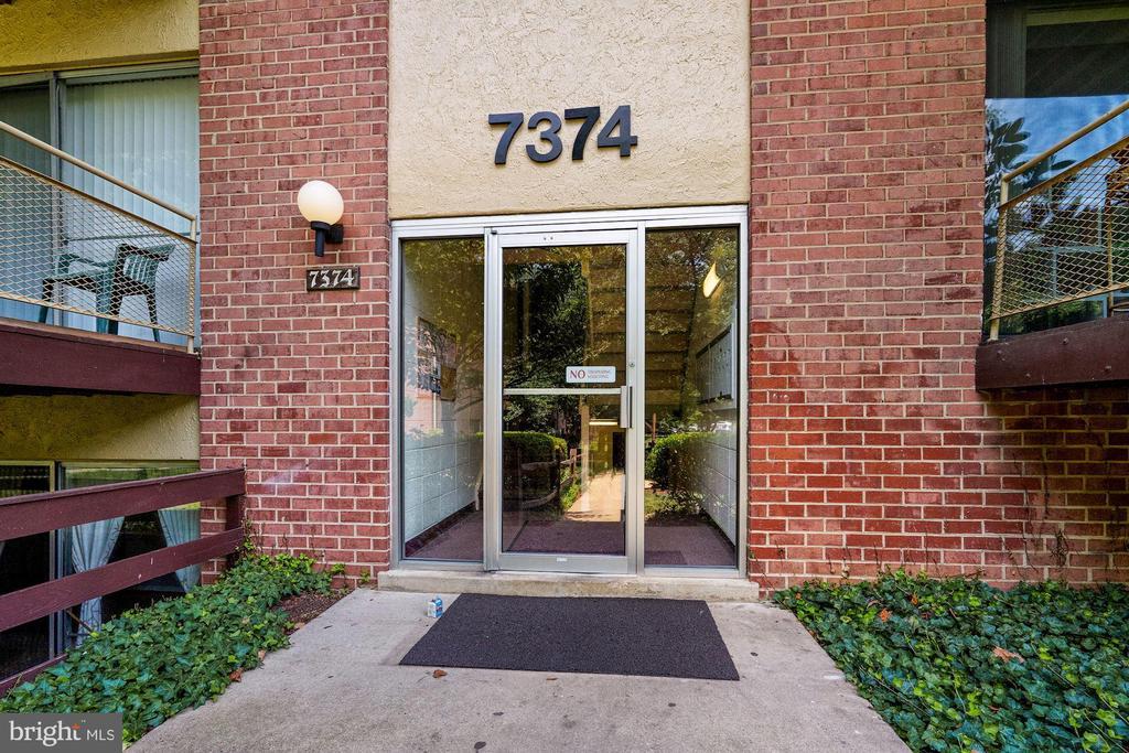 7374 Lee Hwy #203, Falls Church, VA 22046