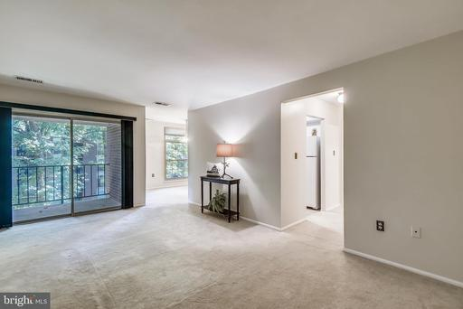 3352 Woodburn Rd #31, Annandale, VA 22003