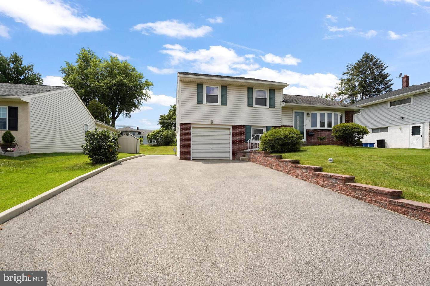 208 Canford Drive Broomall, PA 19008