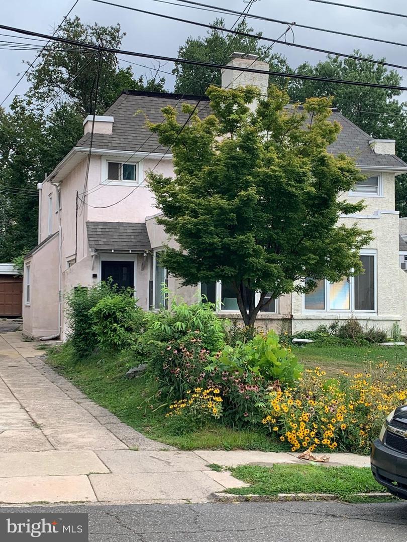383 Lakeview Avenue Drexel Hill, PA 19026